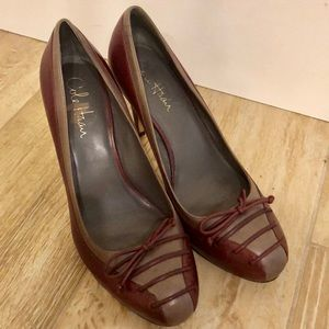 Cole Haan beautiful & sexy leather hills worn once